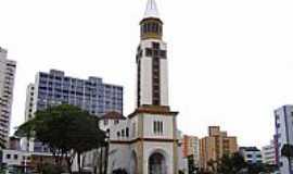 Goi�nia - Igreja Matriz de N.Sra.Auxiliadora em Goi�nia-GO-Foto:Vicente A. Queiroz
