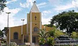 Goianira - Igreja Matriz-Foto:joaohrq
