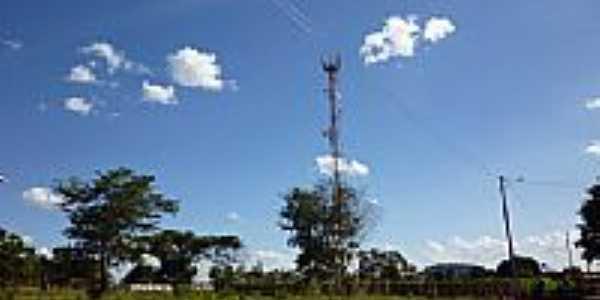 Torre de Telefonia Cecular no Parque Los Angeles em Goianira-GO-Foto:ErickNilson10