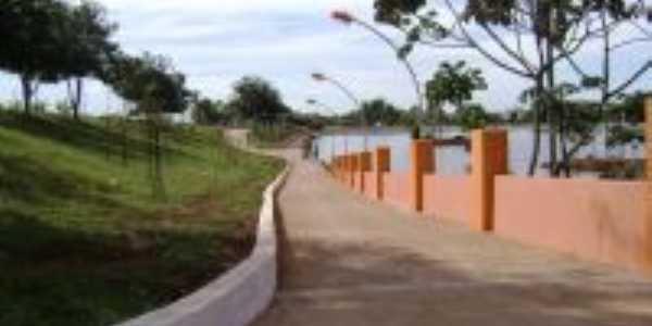 Margem Esquerda - Lago dos Buritis, Por Wolney Tavares
