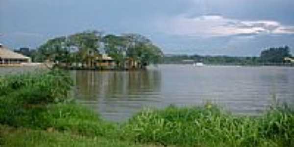Lagoa em Guapó - por ve7000