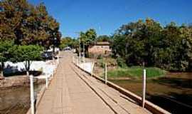 Guarani de Goiás - Ponte na saída para Terra Ronca em Guarani de Goiás-GO-Foto:jackson a de moura