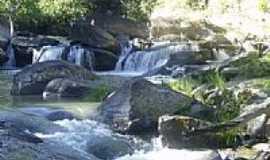 Guarinos - Cachoeira em Guarinos-Foto:Carlos Nathan
