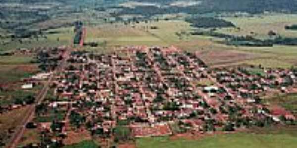 Vista da cidade próximo às Montanhas da Serra Dourada por fernandohti