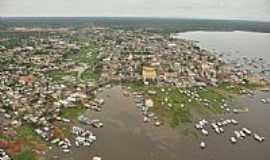 Coari - Vista a�rea da cidade de Coari-Foto:antonio iaccovazo