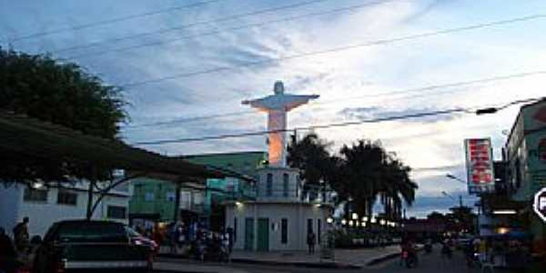 Coari-AM-Cristo no centro da cidade-Foto:marcelotec