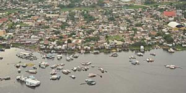 Coari-AM-Vista aérea da cidade e o Rio Solimões-Foto:Antonio Iaccovazo