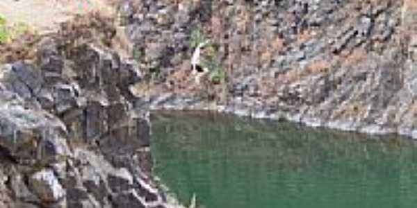 Salto na Pedreira-Foto:celinda