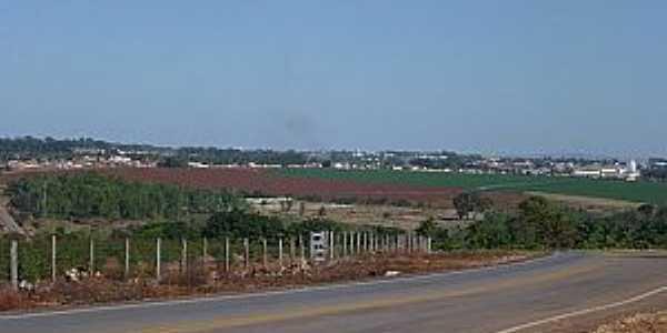 Itaberaí-GO-Vista parcial da cidade à partir da Rodovia GO-156-Foto:Rhenan Ulisses