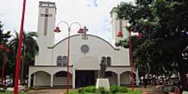 Itumbiara-GO-Catedral de Santa Rita de C�ssia-Foto:Ricardo Mercadante