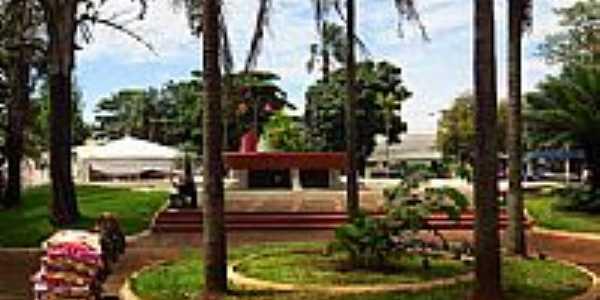Itumbiara-GO-Praça da Prefeitura-Foto:Ricardo Mercadante