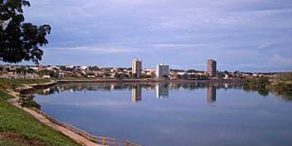 Itumbiara-GO-Rio Parana�ba e a cidade-Foto:Altemiro Olinto Cristo