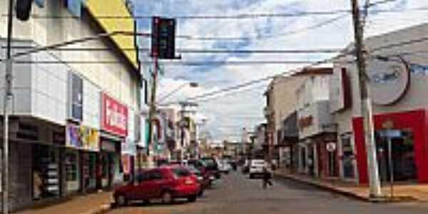 Itumbiara-GO-Rua Marechal Deodoro-Foto:Ricardo Mercadante