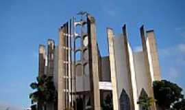 Jata� - Catedral do Divino Espirito Santo foto Vicente A. Queiroz