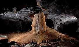 Mambaí - Mambaí-GO-Caverna-Foto:www.360graus.com.br