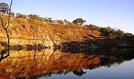 Mara Rosa - Espelho geol�gico