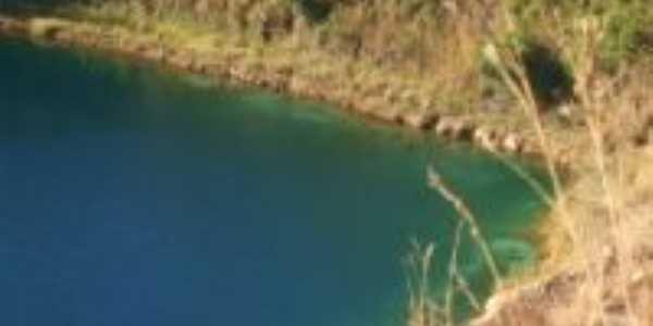 lago azul , Por lorena soares da silava