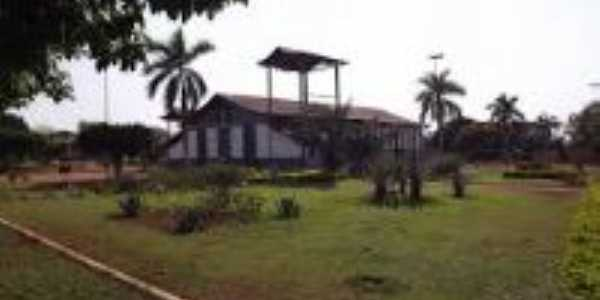 Praça da Igreja Matriz, Por Gleice da Silva Lopes Camelo