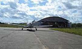 Envira - Hangar do Aeroporto de Envira-AM-Foto:Marcelo Imoto