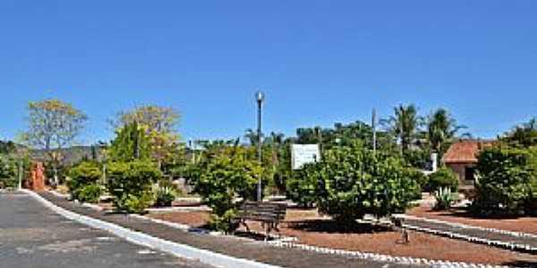 Messianópolis-GO-Praça central-Foto:mapio.net