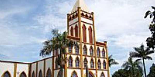Minaçu-GO-Matriz de N.Sra.Aparecida-Foto:Vicente A. Queiroz