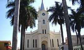 Mineiros - Igreja Matriz do Divino Esp�rito Santo Foto Vicente A. Queiroz