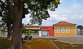Morrinhos - Morrinhos-GO-Praça e o colorido das casas-Foto:Arolldo Costa Olivei…