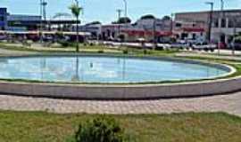 Mozarlândia - Mozarlândia-GO-Fonte na Praça central-Foto:www.nucleogov.com.br