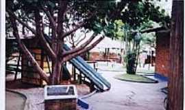 Nerópolis - Brinquedoteca Municipal Brincastelo