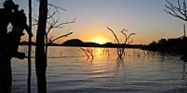Niquelândia-GO-Pôr do Sol no Lago Serra da Mesa-Foto:Itamar Coelho