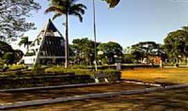 Nova Glória - Praça da Prefeitura-Foto:josealbino_fn