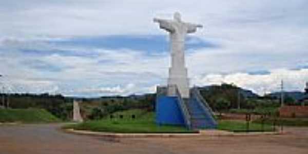Cristo Redentor na entrada da cidade-Foto:demacedo.marcio