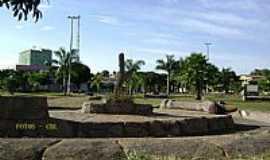 Padre Bernardo - Padre Bernardo-GO-Praça Central-Foto:Cabral Lopes