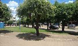 Padre Bernardo - Padre Bernardo-GO-Praça em frente à Rodoviária-FotoSinval - DF (sin-df)