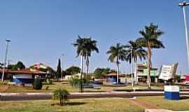 Palmeiras de Goiás - Palmeiras de Goiás-GO-Praça da Bíblia e suas palmeiras-Foto:wender marques