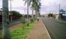 Paranaiguara - Avenida  central, Por ROMES
