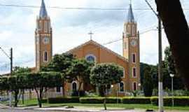 Paranaiguara - Igreja Católica de Paranaiguara-Foto:Jorge Edgar Meza Mon…