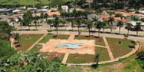 Praça Eugênio Sardinha em Paraúna-Foto:Ricardo Mercadante
