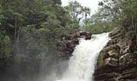 Pirenópolis - Pirenópolis-GO-Cachoeira da Santa Maria na Reserva Ecológica Vargem Grande-Foto:Pe. Edinisio Pereira…