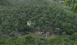 Pirenópolis - Pirenópolis-GO-Casebre à beira do precipício em área rural-Foto:Pe. Edinisio Pereira…
