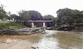 Pirenópolis - Pirenópolis-GO-Ponte do Carmo sobre o Rio das Almas-Foto:Pe. Edinisio Pereira…