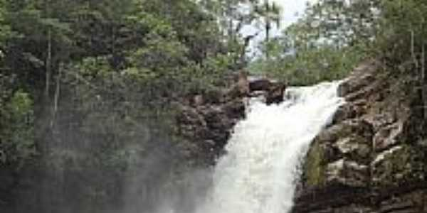 Piren�polis-GO-Cachoeira da Santa Maria na Reserva Ecol�gica Vargem Grande-Foto:Pe. Edinisio Pereira�