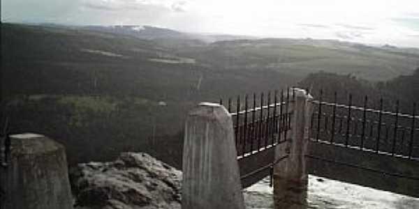 Pirenópolis-GO-Parque Estadual do Pireneus, visto do alto do Morro da Capelinha-Foto:Josue Marinho