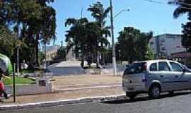 Rio Verde - Praça no centro de Rio Verde-Foto:Cruvinel do SSC