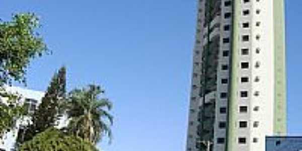 Rua Abel Pereira de Castro no centro de Rio Verde-GO-Foto:Neander Moraes
