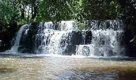 Santa Helena de Goiás - Santa Helena de Goiás-GO-Cachoeira Campo Alegre-Foto:mochileiro.tur.br