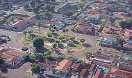 Santa Helena de Goiás - Santa Helena de Goiás-GO-Centro da cidade-Foto:mochileiro.tur.br