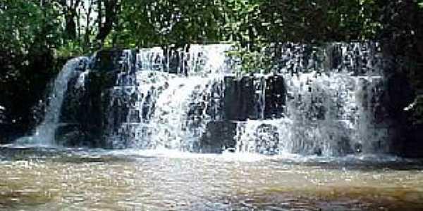 Santa Helena de Goiás-GO-Cachoeira Campo Alegre-Foto:mochileiro.tur.br