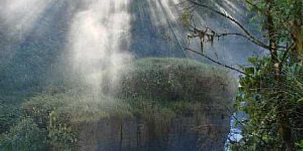 Santa Rita do Araguaia-GO-Cachoeira no Rio Araguaia-Foto:onofro martins alves