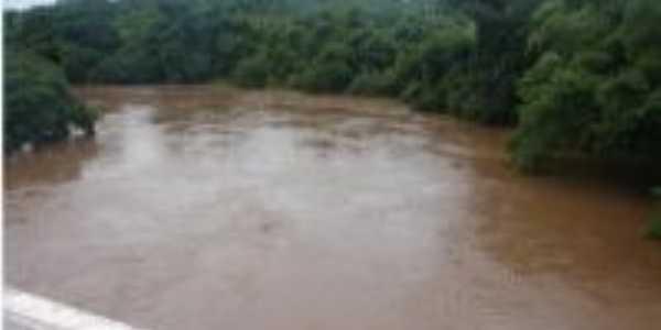 Foto da ponte do Rio Crixás, Por jrag